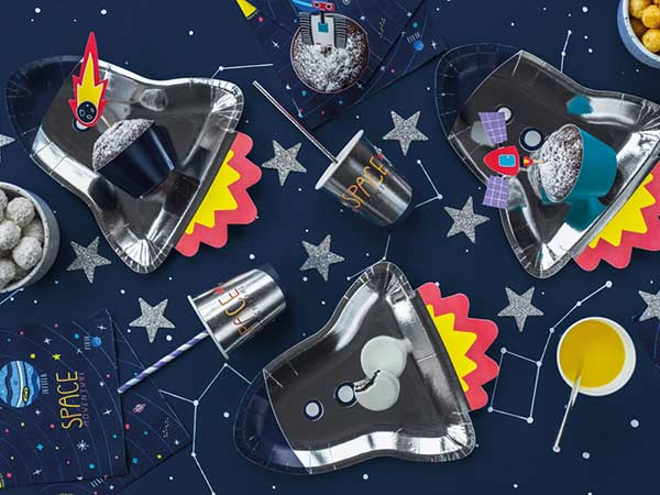 Сервировка для дня рождения в стиле космос