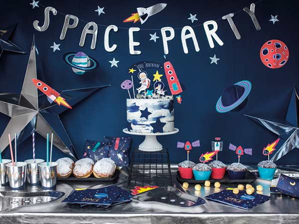 Оформление космической вечеринки