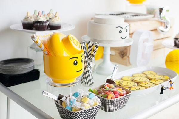 Вечеринка в стиле Лего: оформление и сервировка стола