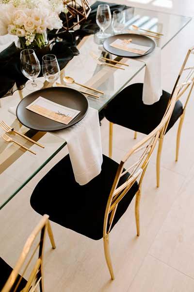 Стильная сервировка праздничного стола