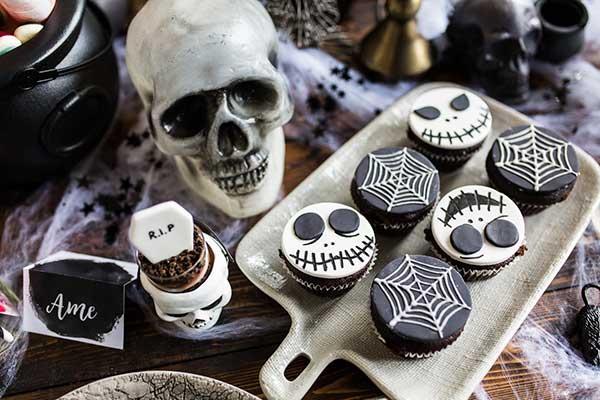Оформление кэнди-бара для вечеринки Хэллоуин